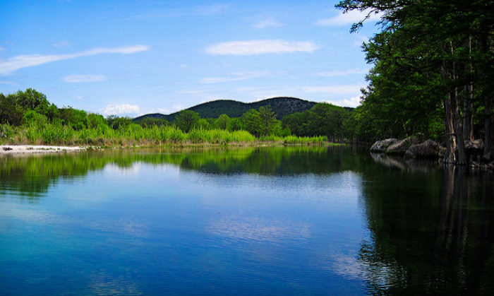Frio River In The Texas Hill Country | Photo: FHG Photo (Flickr)
